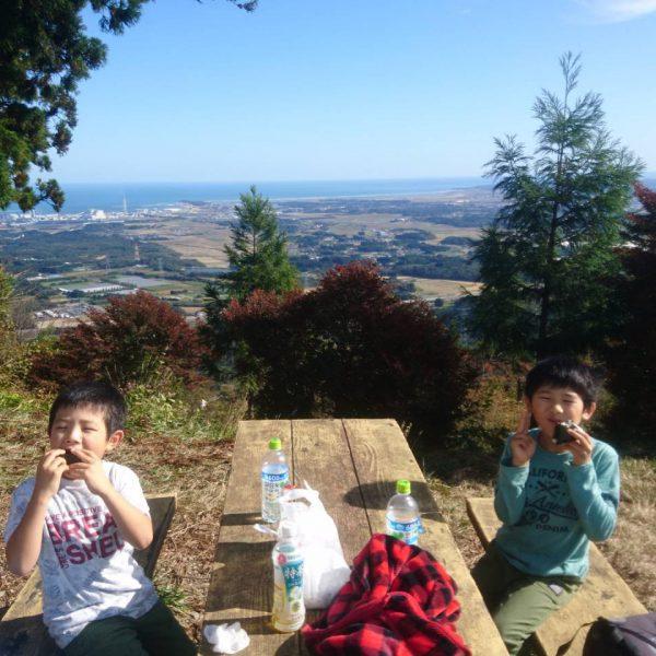 日本一早い山開き!子連れハイキングにオススメ。鹿狼山(かろうさん)に山登りにおいでよ。の画像